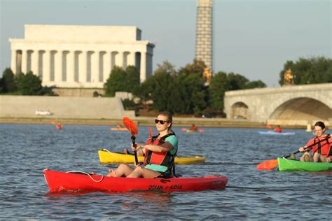 Paddle Boats Dc Harbor by Sunset Paddle At National Harbor Boating In Dc Kayak