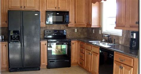 warehouse kitchen cabinets oak cabinets w granite counters and tile backsplash 3347