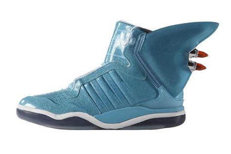 Jeremy Scott x adidas Originals Shark HYPEBEAST