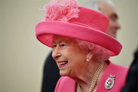 Queen Elizabeth II is Hiring, Looking for 'Engaging,' 'Meticulous' and 'Innovative' Staff
