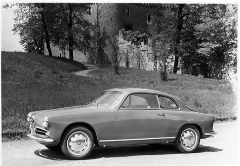Alfa Romeo Giulietta Sprint Specs & Photos