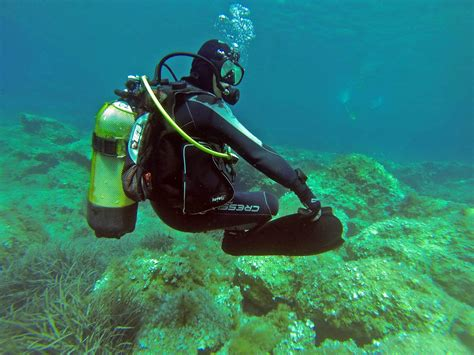 How To Scuba Dive - learning to dive open water course