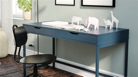 The table is in very good condition, no stains and no damage. Ikea White Gloss Desk / Skarsta Desk Sit Stand White 47 1 ...