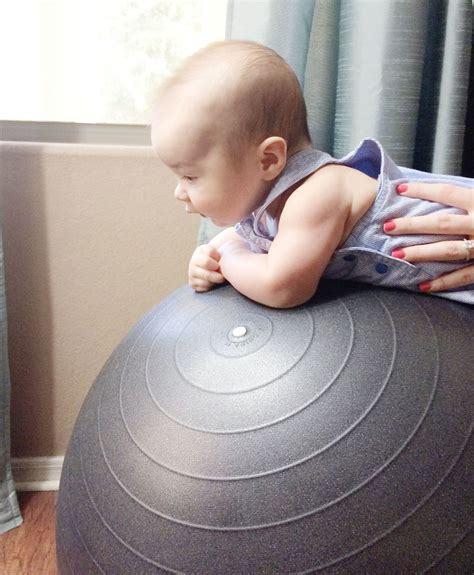 16 Ways To Play With Your Baby Ages 0 4 Months Baby