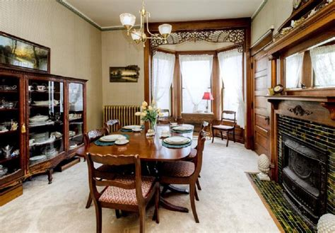 formal dining room  fireplace hooked  houses