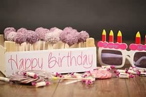 Deko Zum 1 Geburtstag : cake pops der kultige kuchen am stiel wundermagazin ~ Eleganceandgraceweddings.com Haus und Dekorationen