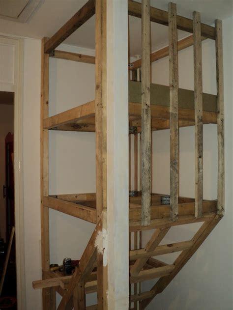 zoldertrap hek kast boven trapgat house decorations ideas pinterest