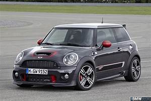 Mini Cooper S Jcw : videos mini john cooper works performance parts ~ Medecine-chirurgie-esthetiques.com Avis de Voitures