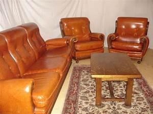 Table Basse Cuir : canape cuir vintage clasf ~ Teatrodelosmanantiales.com Idées de Décoration