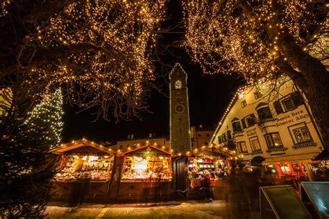 Banchetti Di Natale Bolzano by I Mercatini Di Natale In Trentino La Tua Italia