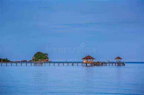 amaca sul mare spiaggia esotica della sabbia con la laguna di