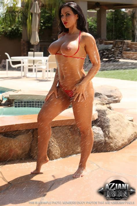 Azianiiron Presents A Nude Photo Gallery Of Brianna Jordan