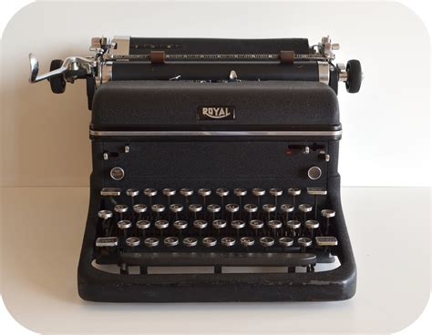 royal typewriter vintage typewriter 1940s royal kmm all parts are there not working ebay