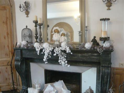 decoration de noel dessus de cheminee