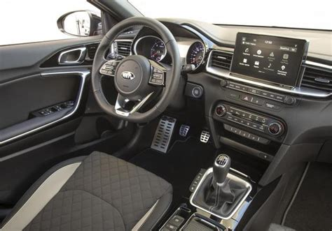 kia proceed test drive versioni  prezzi della wagon