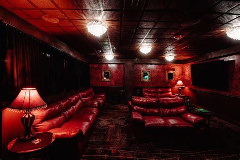 buy   sophias gentlemens club world famous luxury