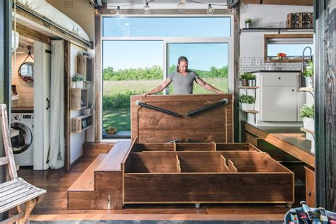 Go Tiny Häuser by 240 Square Foot Tiny Home Designed To Bring Modern Luxury