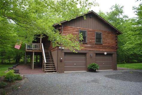 poconos log cabin pocono log cabin on 2 10 ac in wagner forest park