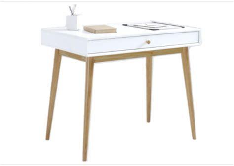 bureau fille pas cher des petits bureaux pour un coin studieux joli place