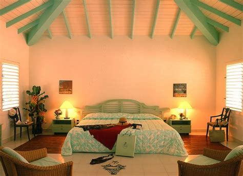 39 Bright Tropical Bedroom Designs  Digsdigs