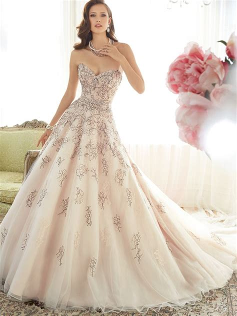 Unforgettable Vintage Wedding Dresses For More Elegant