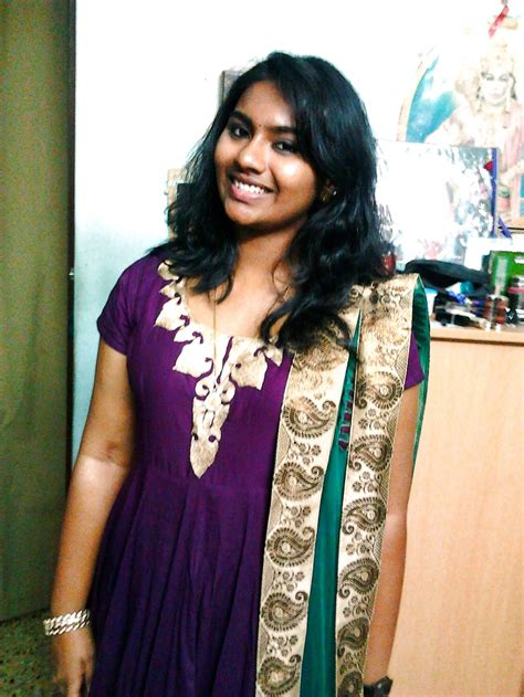 Sexy Tamil Girl Seductive Pics Collection