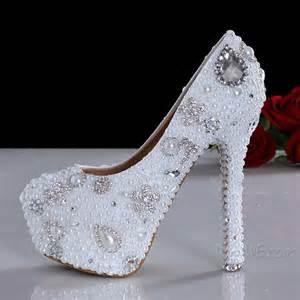 chaussure mariage blanche chaussures magnifique perle blanche strass fleurs talons hauts de mariage 10921621 chaussures