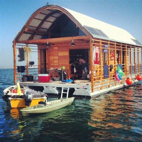 House Boat Vs Boat House by 83 Best Images About Houses Of The Future On