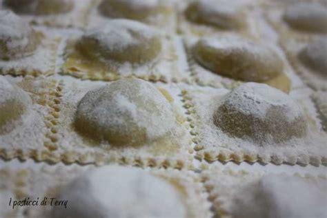 ricetta ravioli di zucca mantovani pasta fresca ravioli mantovani di zucca