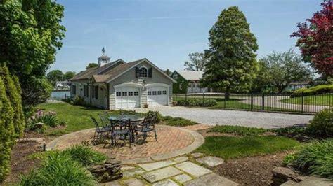 amityville la maison hant 233 e est 224 vendre pour 850 000