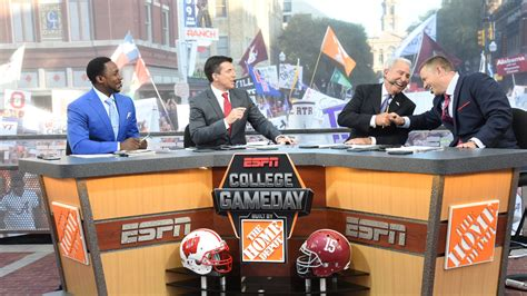 the 13 best college gameday signs of the 2016 season ranked for the win