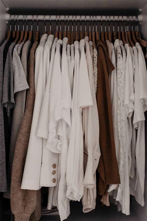 Kleiderschrank Richtig Ordnen by Kleiderschrank Ausmisten Tipps Tricks In 2019