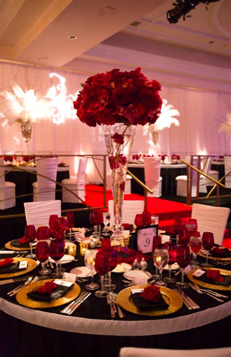 black tablecloths weddingbee