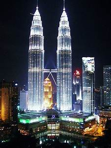 World Most Popular Places: Petronas Towers at Night