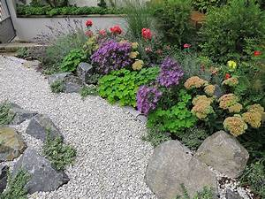 Gartengestaltung Mit Naturstein Mauern Wasserläufe Und Terrassen : kiesgarten in frankfurt f landau gr npflege gmbh ~ Orissabook.com Haus und Dekorationen