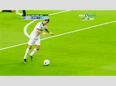 Pique Cristiano Ronaldo GIF Find & Share on GIPHY