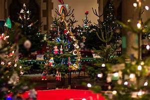 Live it Love it Make it : Christmas Tree Festival