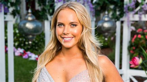 Signs that 'The Bachelor' Australia 2018 contestant Cass