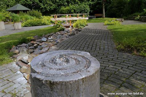 Japanischer Garten Aachen by Springbrunnen Mit Wasserlauf Im Quot Garten Der Sinne