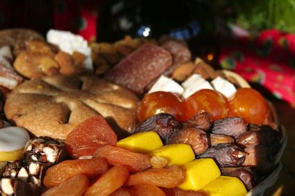 13 desserts de provence d 233 couvrez les treize desserts de provence pompe 224 l huile mendiants