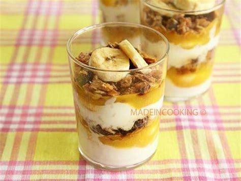 dessert muesli yaourt coco et banane 192 d 233 couvrir
