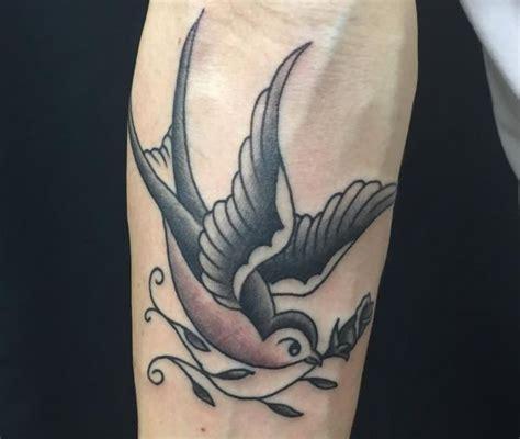 vogel bedeutung vogel tattoos und ihre bedeutungen tattoomotive net