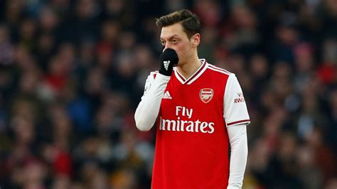 Arsenal axing Ozil from Premier League squad 'a big gamble ...