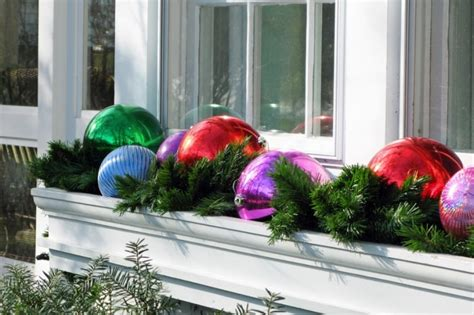 window box outdoor christmas decorations pic