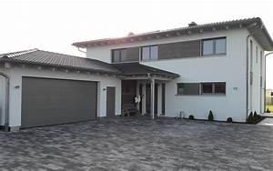 Einfamilienhaus Mit Garage : haus mit doppelgarage ~ Lizthompson.info Haus und Dekorationen