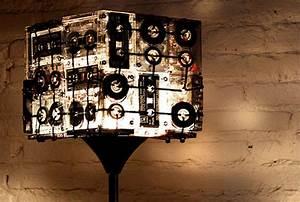 Stehlampe Zum Dimmen : retro 7 upcycling ideen f r alte kassetten ~ Markanthonyermac.com Haus und Dekorationen