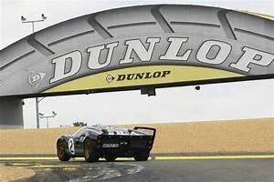 Actualite Le Mans : le mans classic un tour en ford gt40 avec olivier pla actualit automobile motorlegend ~ Medecine-chirurgie-esthetiques.com Avis de Voitures