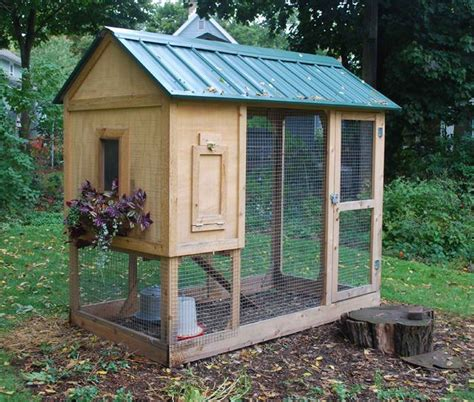 small chicken coop chicken coop small chicken coops pinterest