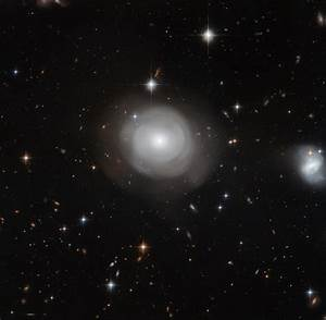 New Hubble View of Galaxy ESO 381-12