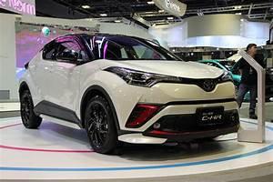 Essai Toyota Chr 1 2 Turbo : sg motorshow 2018 top 5 crossovers carbuyer ~ Medecine-chirurgie-esthetiques.com Avis de Voitures